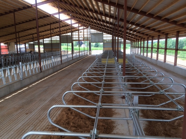 Agricultural Construction: Freestall Barn: Nate & Tajia Retzlaff, Shawano, WI